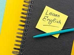 آموزش زبان های خارجی و توسعه و پیشرفت